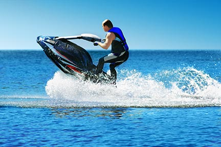 Many people like to do tricks on jet skis, however, these tricks often lead to injuries and boating accidents. Call a Waco boat accident attorney today to discuss your options.